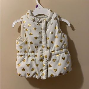 Girls 18 month puffer vest cream with gold hearts